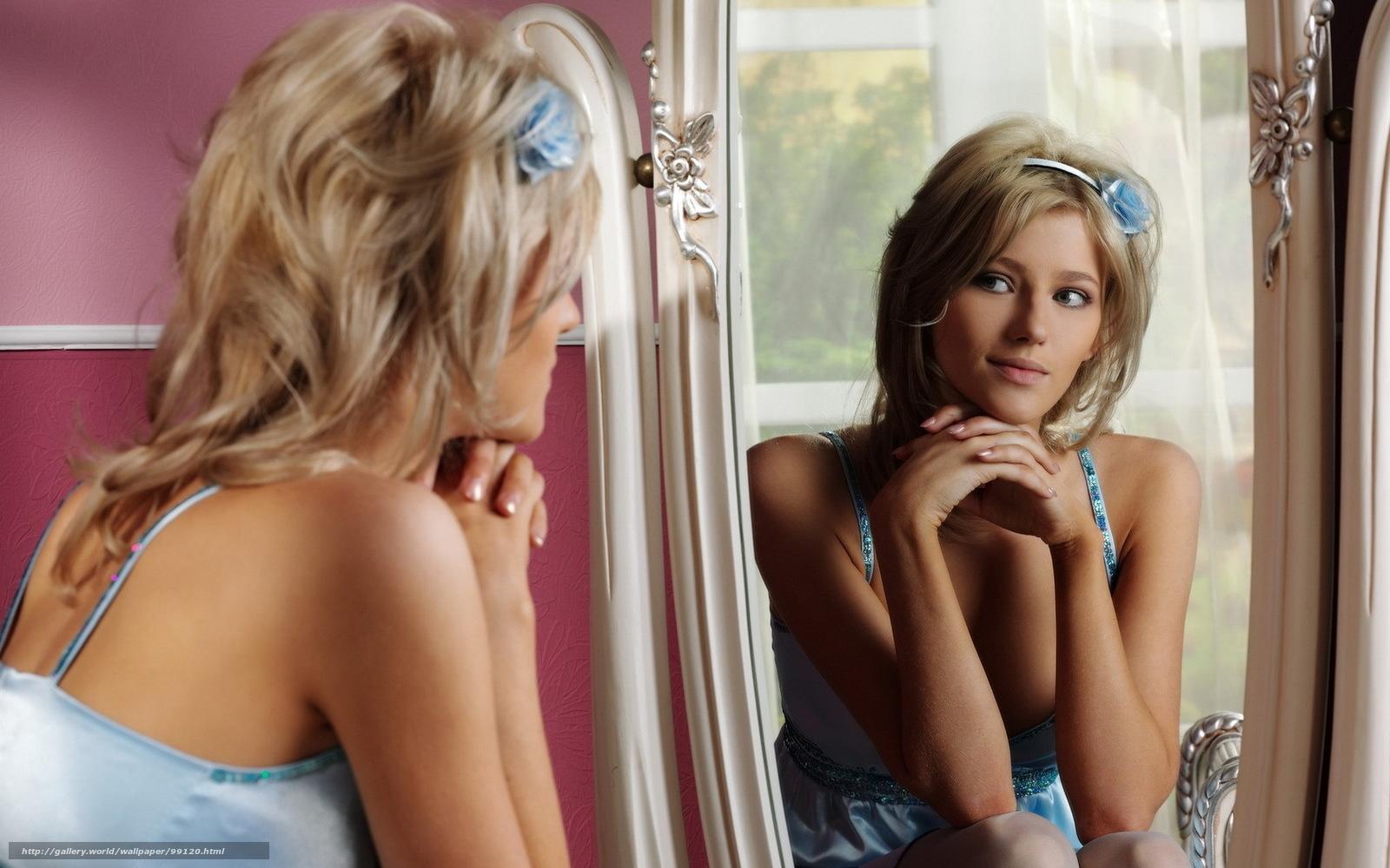 Фото девушек у зеркала 13 фотография