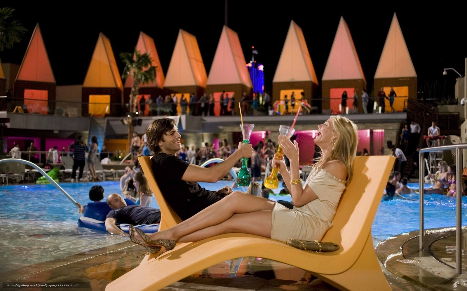 17 Epic Signs You've Met Your Travel Soulmate - TripotoWhat Happens In Vegas Google Drive