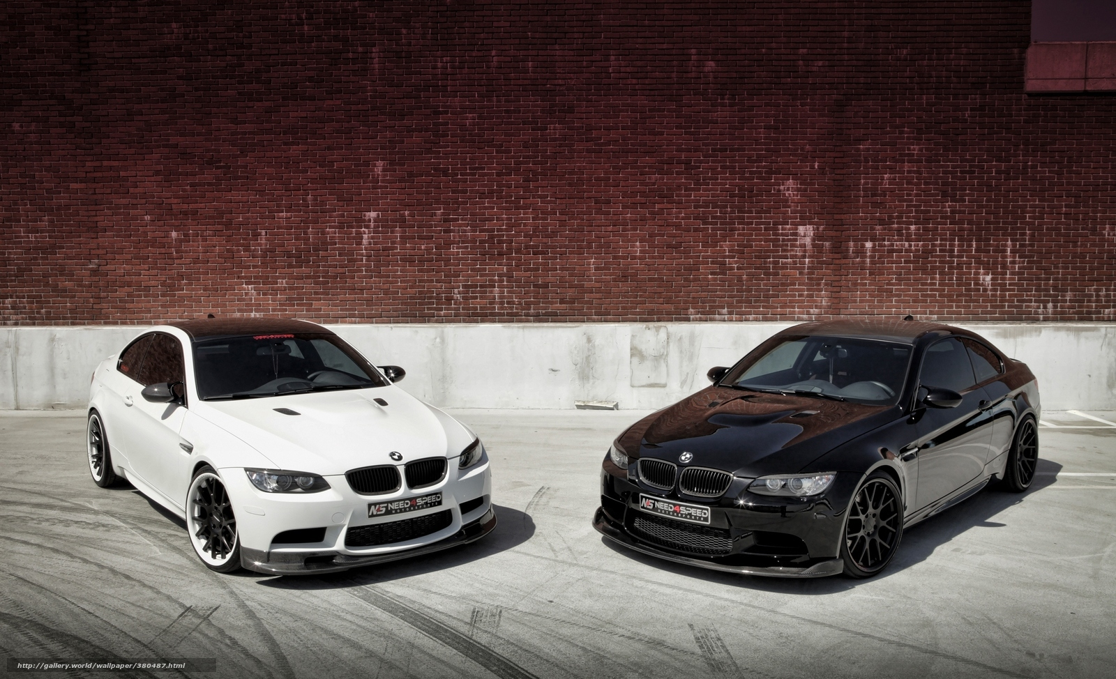 Download Wallpaper Bmw White Black Brick Wall Free