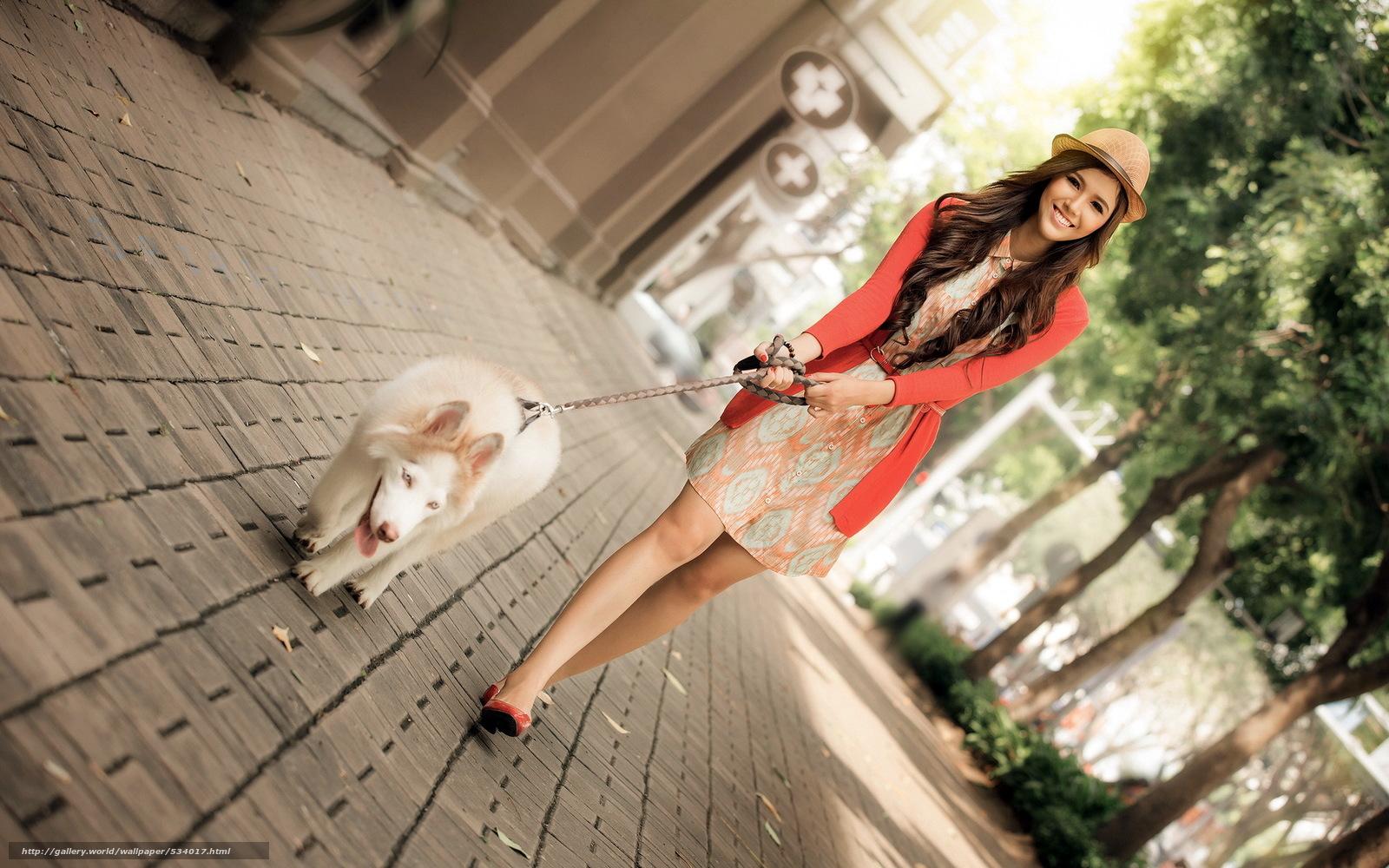 Прогулки по городу голых девушек на поводке 20 фотография