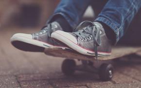 gumshoes, skateboard, asfalt