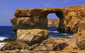 Malta, Gozo, Widok z okna w Dwejra lazur