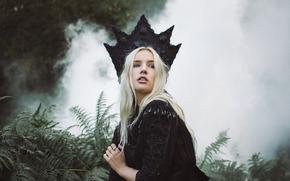 Lauren Hallworth, corona, helecho, fumar