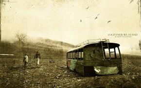 Настроения: сила духа, потертость, старость, ржавый автобус