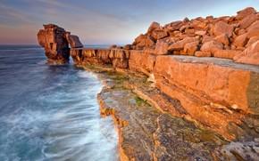 Природа: волны, скала, море, обрыв
