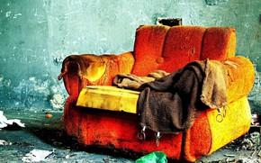 Настроения: диван, комната, пожар, одиночество
