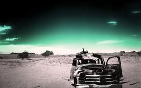 Настроения: забытость, одиночество, усталость, старость, ржавый, машины, пустыня, прошлое, время, назад, зеленый, черно-белый