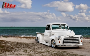 Машины: гмс, пикап, ретро, тюнинг, Лоурайдер, передок, белый, берег, пляж, небо, облака, Другие марки