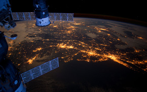 Космос: МКС, Союз, Прогресс, Северная Америка, океан, Атлантика, города, Бостон, Филадельфия, Питсбург, огни