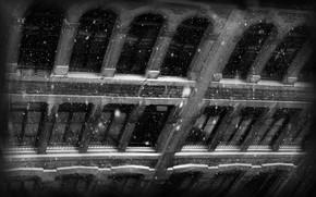 Город: снег, стена, окна, вид