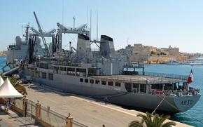 Корабли: ВМС Франции. Дюранс класса многопрофильной пополнения корабль, A630-Марн, пришвартованных в Гранд-Харбор, Мальта.