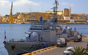 Корабли: Французские ВМС d-Estienne d-Orves-класса, фрегат F796 комендант Birot в Гранд-Харбор, Мальта