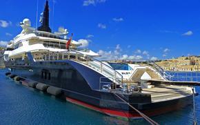 Корабли: В 82metre (269ft) яхта Alfa Nero, пришвартованных в Vittoriosa Марина, на Мальте