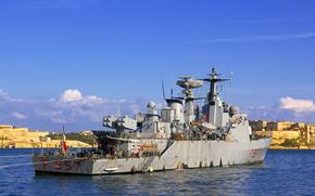 Корабли: Итальянский Корвет F557 Fenice на Мальте, так как он участвует в западных усилий, в ливийской кризиса.