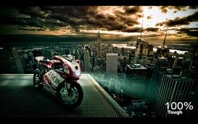 Мотоциклы: Ducati 999, крыша, город, облака, красный