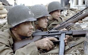 Фильмы: война, Спасти рядового Райана, оружие, Том Хэнкс, солдаты, развалины, засада, каски, драма