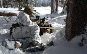 Мужчины: солдат, оружие
