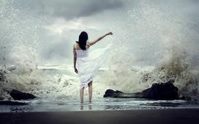 Ситуации: девушка, море, волны