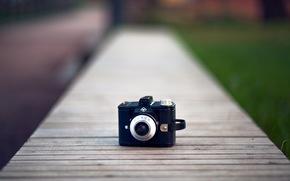 Настроения: фотоаппарат, обои, размытие, камера, настроения, широкоформатные, трава, объектив, фон, полноэкранные, широкоэкранные