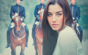 Ситуации: портрет, взгляд, девушка, фон, кавалерия