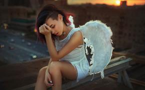Ситуации: крыша, закат, крылья, город, Москва, ангел, девушка
