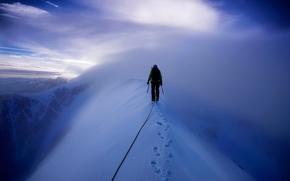 Ситуации: снег, горы, альпинист, восхождение