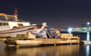 Мужчины: ситуация, камень, сон, гавань, лодки
