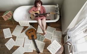 Музыка: девушка, гитара, ванна, музыка