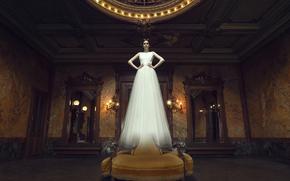 Ситуации: невеста, призрак, платье, зеркала, комната, арт, девушка