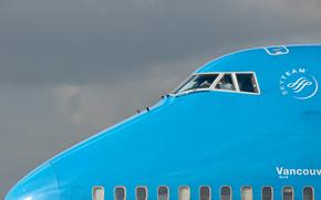 Авиация: самолёт, пилот, кабина