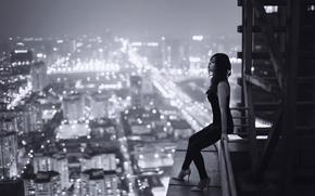 Ситуации: девушка, ночь, печаль, крыша, высота, Вьетнам, одиночество, город