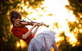Музыка: скрипка, красавица, Линдси Стирлинг