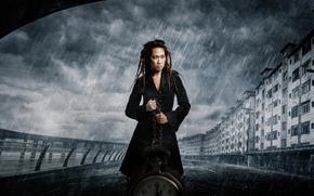 Ситуации: часы, девушка, город, дождь
