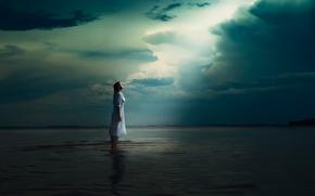 Ситуации: вода, одиночество, девушка, небеса