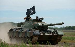 Оружие: бронетехника, боевой, танк