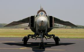 Авиация: аэродром, бомбардировщик, советский, истребитель, многоцелевой