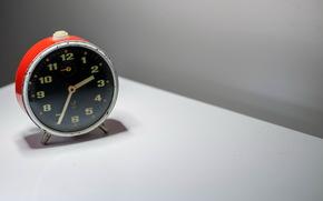 Минимализм: будильник, время, фон