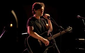 Музыка: певец, гитарист, фильм