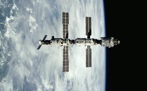 Космос: Земля, небо, МКС