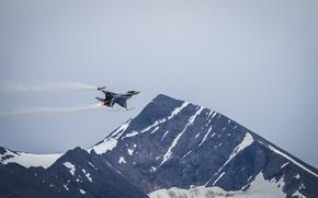 Авиация: гора, полёт, «Файтинг Фалкон», истребитель