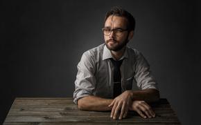Мужчины: очки, портрет, студия