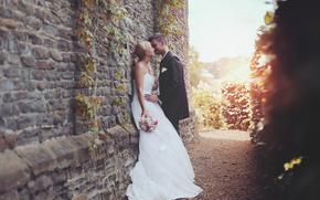 Праздники: невеста, платье, влюбленные, жених, поцелуй, костюм
