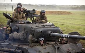Фильмы: поле, Брэд Питт, «Ярость», драма, экипаж, танк