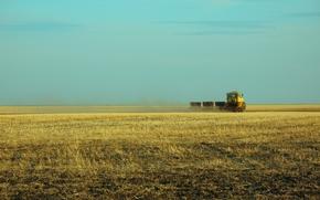Ситуации: посевная, пахота, трактор, кировец, казахстан, целина, костанай, кокшетау.поле, степь, село, работа, май