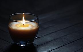 Минимализм: свеча, темнота, черный, серый, пламя, воск