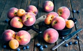Разное: абрикосы, персики, черника, фрукты, ягоды, еда, сковорода