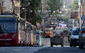 Ситуации: Новороссия, Донецк, Донбасс, город, трамвай, улица, флаг, БТР, бронетехника