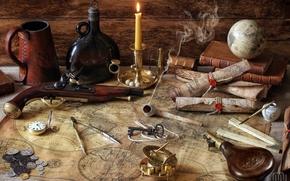 Разное: пистоль, карты, глобус, циркуль, бутылка, книги, монеты, трубка, свеча, компас, ключ