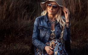 Стиль: девушка, модель, шляпа, джинсовка, очки
