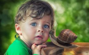 Настроения: мальчик, голубые глаза, взгляд, улитка, друзья, дружба